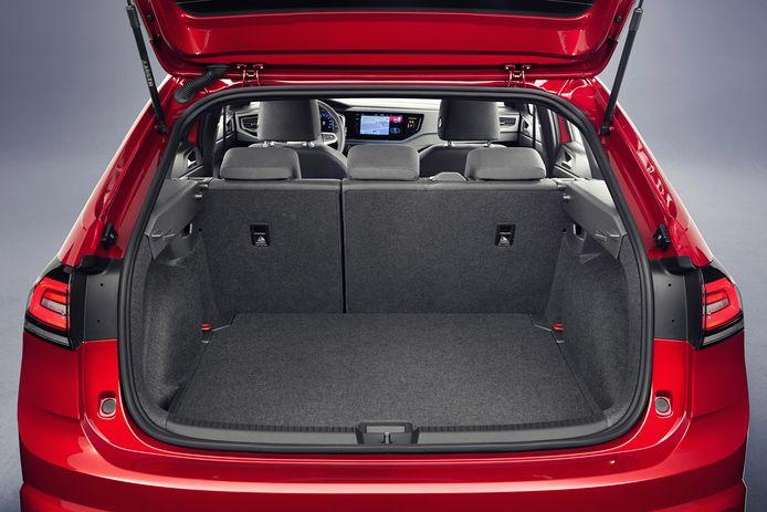 In de achterbak van de Volkswagen Taigo gaat minimaal 438 liter