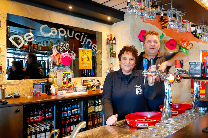 Cafe De Capucijner in Budel, met Wilma en Tino Linders achter de tap, is uitgeroepen tot Brabants cafe van het jaar.