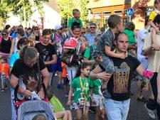 VIDEO: Goirlese wandelaars groots onthaald