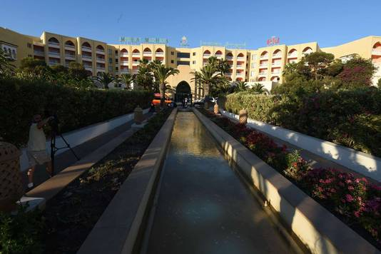 Het Imperial Marhaba hotel na de schietpartij.