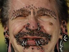 Rolf (52) is de meest gepiercete man ter wereld