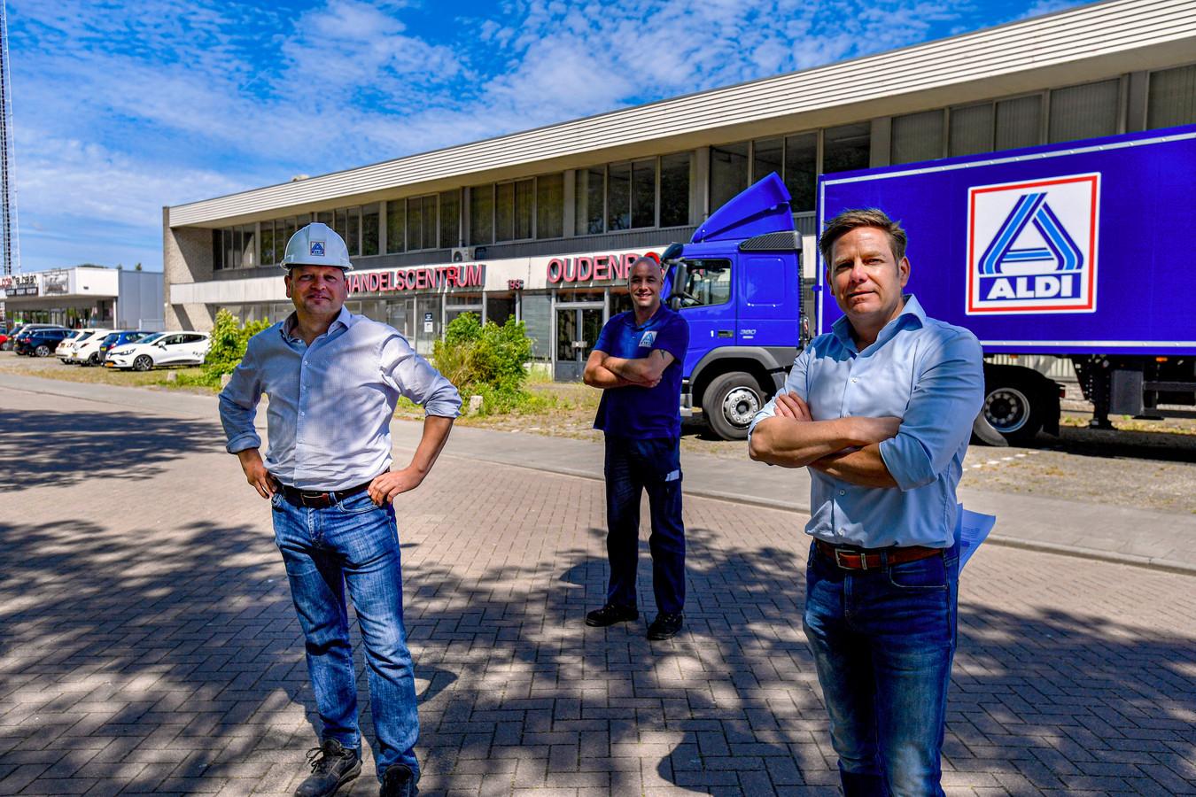 Raymond van Os en Gerald Kas liet vorige week de vrachtwagen van Aldi al voorrijden bij het handelscentrum aan de Bosschendijk. Dat feest gaat niet door; de gemeenteraad van Halderberge stak er donderdagavond een stokje voor.