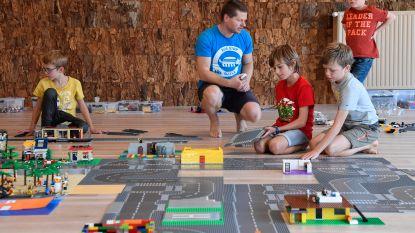 Lego bouwen in yogacentrum Mayoki