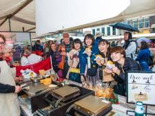 Goudse kaaswafel is internationale hit: toeristen in lange rij