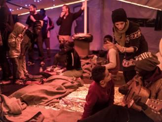 Schip met 32 geredde migranten al zes dagen op zoek naar haven