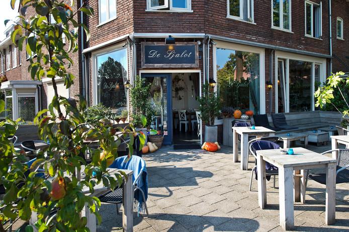De Sjalot, een Frans Arabisch restaurant in een voormalige groentewinkel.