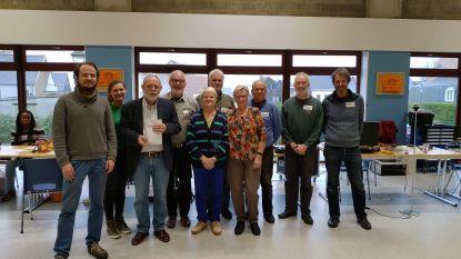 Vrijwilligers Repair Café steunen voedselbedeling