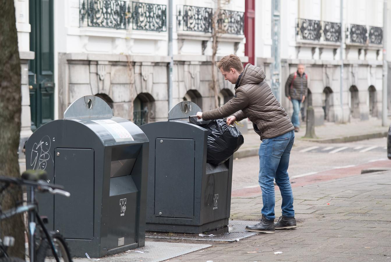 Restafval weggooien blijft in Arnhem voorlopig gratis.