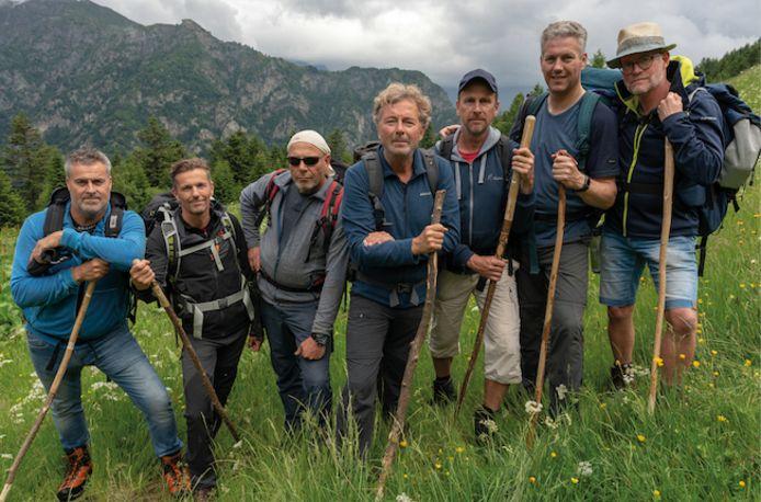 De deelnemers van Mannen in het Wild. Tweede van rechts is Ferdinand Zomerman.