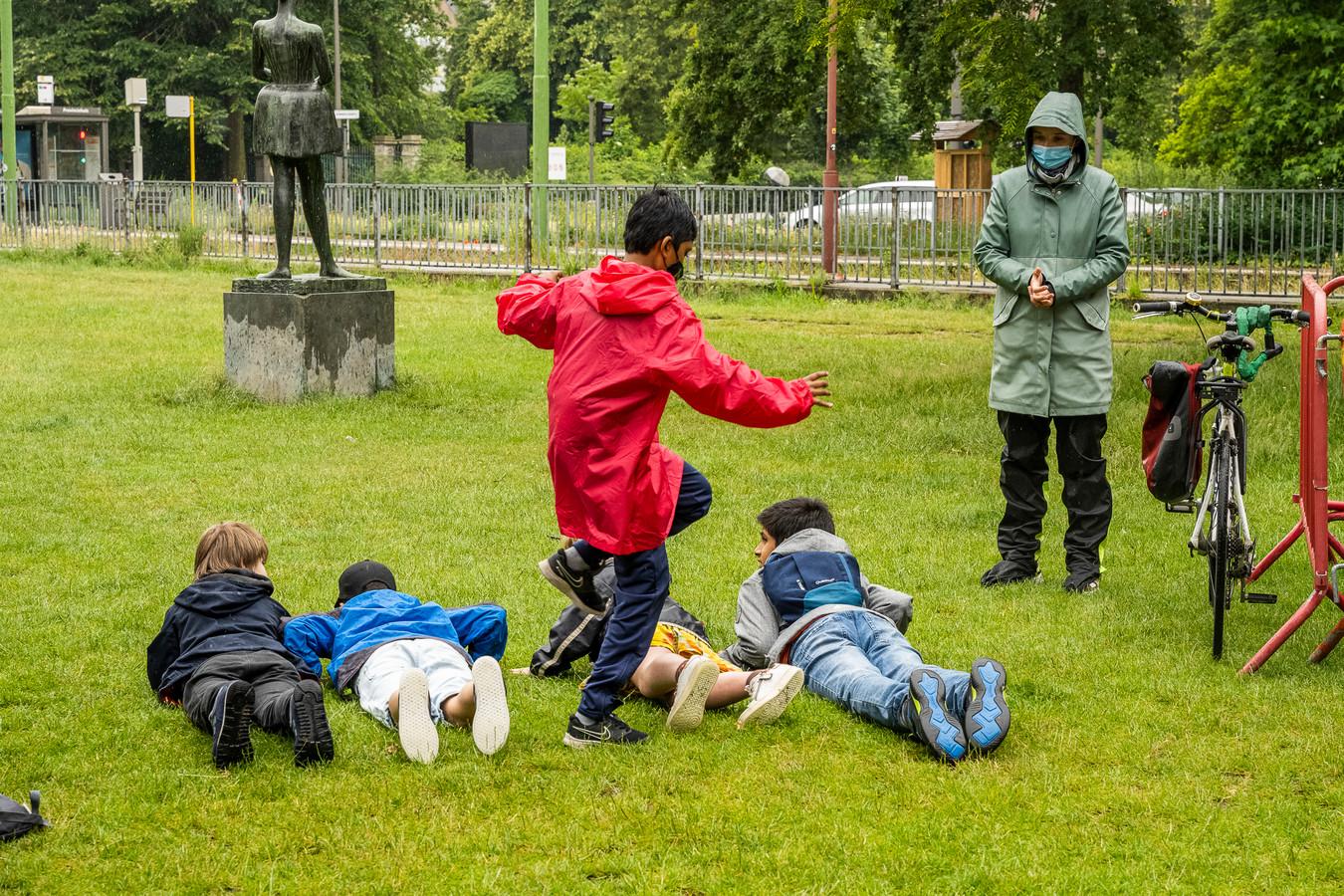 Eén van de proeven van de sportieve wandeltocht voor bijna duizend kinderen uit het lager onderwijs.