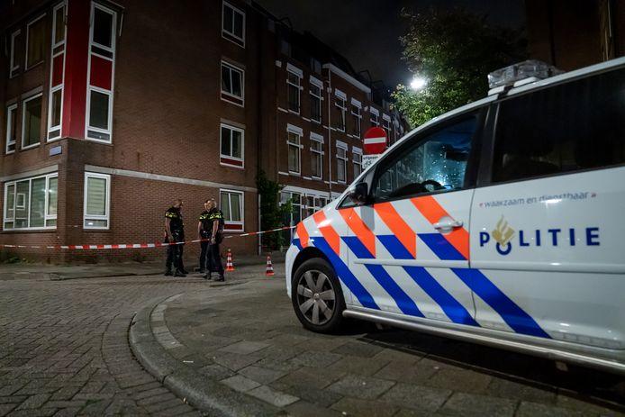 Onderzoek na de schietpartij in de Hooglandstraat in Rotterdam.