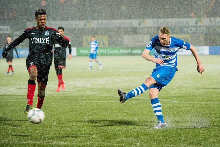 PEC Zwolle-speler Stef Nijland scoort de 5-2. Beeld ANP