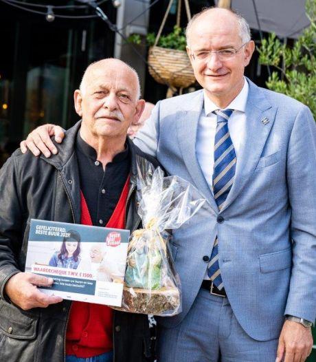 Enschedese Beste Buur Bokaal voor Hein Talman