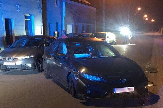Voor de tweede keer in amper drie weken raakten in de Overimpestraat in Lede geparkeerde wagens beschadigd bij een aanrijding.