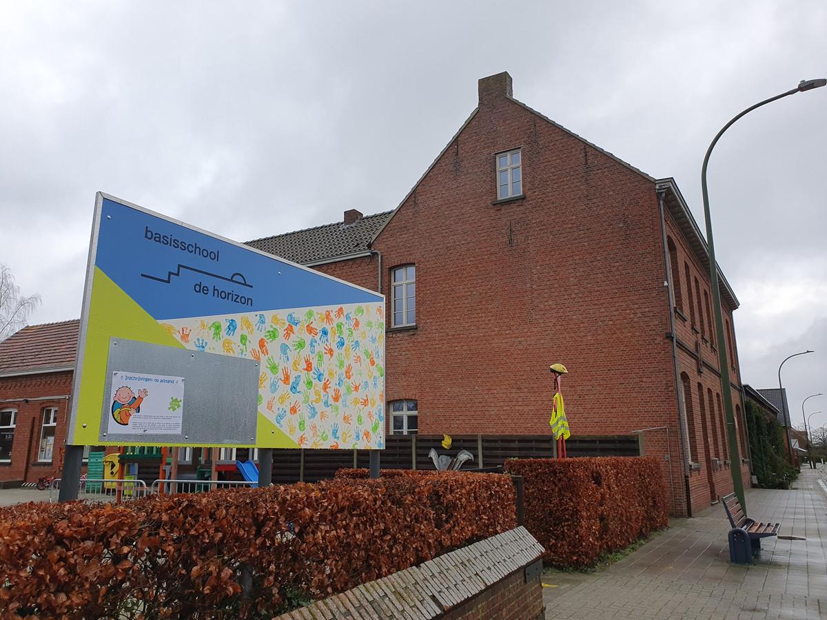 De gemeente Baarle-Hertog en het bisdom Antwerpen starten in de zomer van 2021 met de langverwachte bouw van de nieuwe school in Zondereigen. De leerlingen van de lagere school én de kleuterschool zullen er hun nieuw onderkomen krijgen.