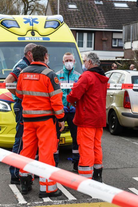 OM: Vrouw (44) uit Oude Wetering stak eigen man neer, overgoot hem met kokend water en stichtte brand