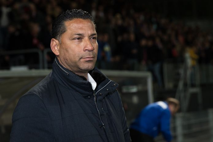 Vitesse-trainer Henk Fraser na het verlies tegen Excelsior.