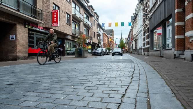 """Molenstraat krijgt heraanleg zónder kasseien: """"Veel aangenamer voor fietsers"""""""