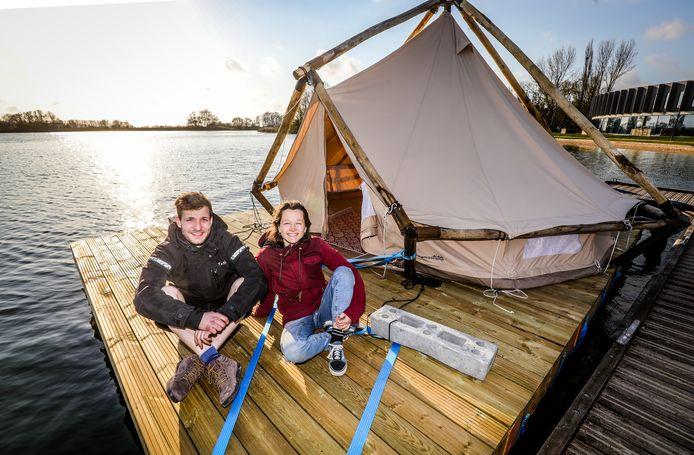Kika Merlin en Tobias Knockaert bij hun eerste vlot