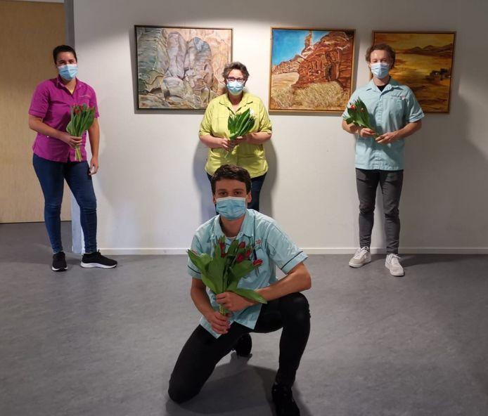 Medewerkers van de speciale corona-afdeling van Beweging 3.0 in De Pol in Nijkerk.