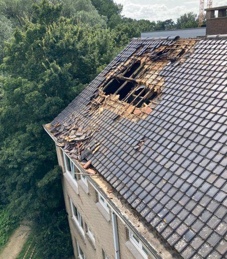 Dak vernield bij brand in Nieuw Gent: één persoon naar ziekenhuis afgevoerd