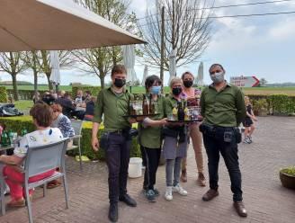"""Opnieuw nippen van een Westvleteren in café 'In de Vrede': """"Maar ook als het terras volzit, kan je bij ons nog coronaproof van een trappist genieten"""""""