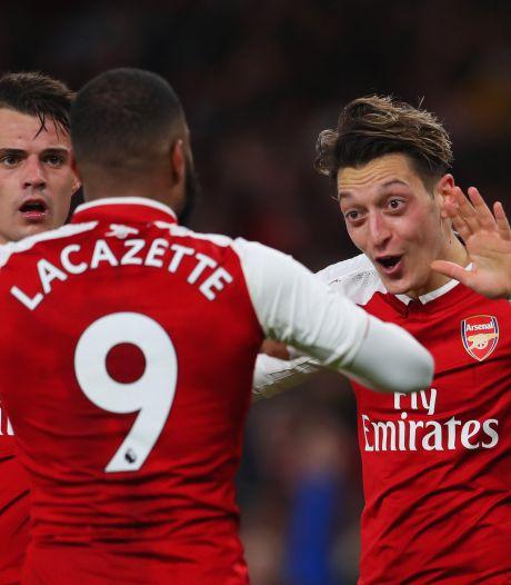 Arsenal en Liverpool spelen gelijk in knotsgek duel
