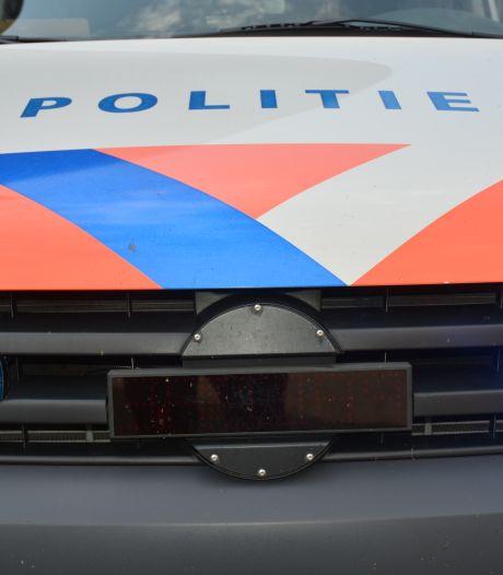 Politie doorzoekt Somerense loodsen in onderzoek naar synthetische drugs