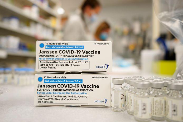 AstraZeneca en Johnson & Johnson leveren beide een virale vector-vaccin, dat gebruikmaakt van een ander virus.