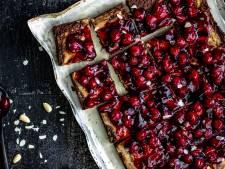 Wat Eten We Vandaag: Brownie van pure chocolade met amandelen en kersen