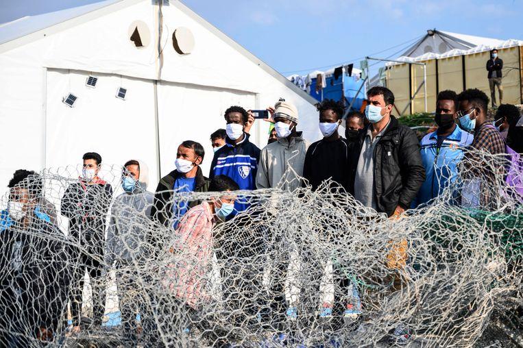 De vluchtelingen zijn hierheen verhuisd na de brand in Moria. Beeld EPA