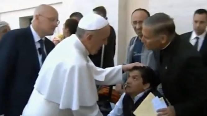 Man voelt zich beter na 'exorcisme' door paus
