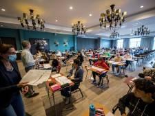 Leerlingen lyceum maken examen in hotel, want op school is te veel lawaai