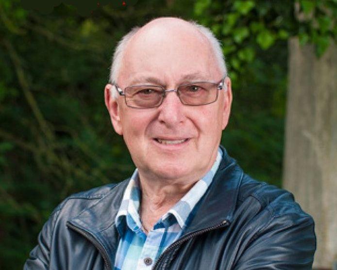 Gilbert Vandervelpen, coördinator bij S-Plus regio Tienen, stelt vast dat digitale vaardigheden bij senioren alsmaar belangrijker worden.