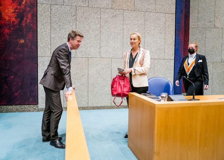Martin Bosma (vervangend kamervoorzitter) en demissionair Minister Sigrid Kaag van Buitenlandse Zaken (D66) tijdens het Kamerdebat over het terughalen van IS vrouwen en hun kinderen.  Beeld ANP