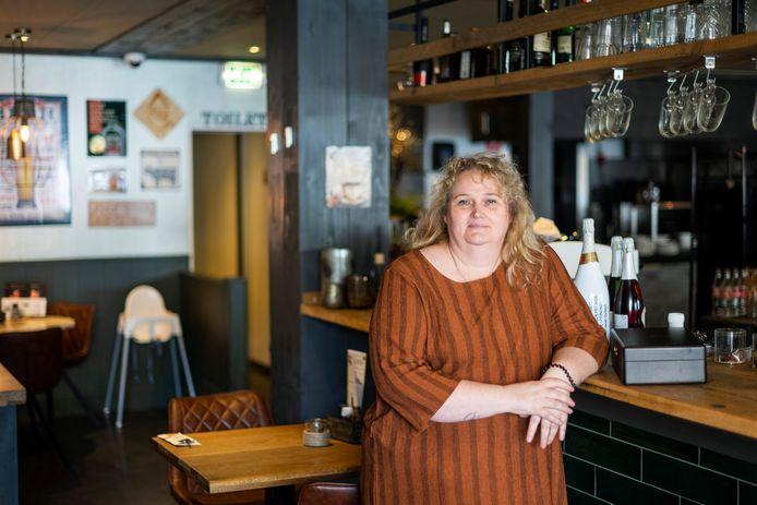 Renate Smoorenburg in restaurant Plein 32: 'Die medische apartheidspas wordt een feit als de ondernemers geen NEE zeggen.'