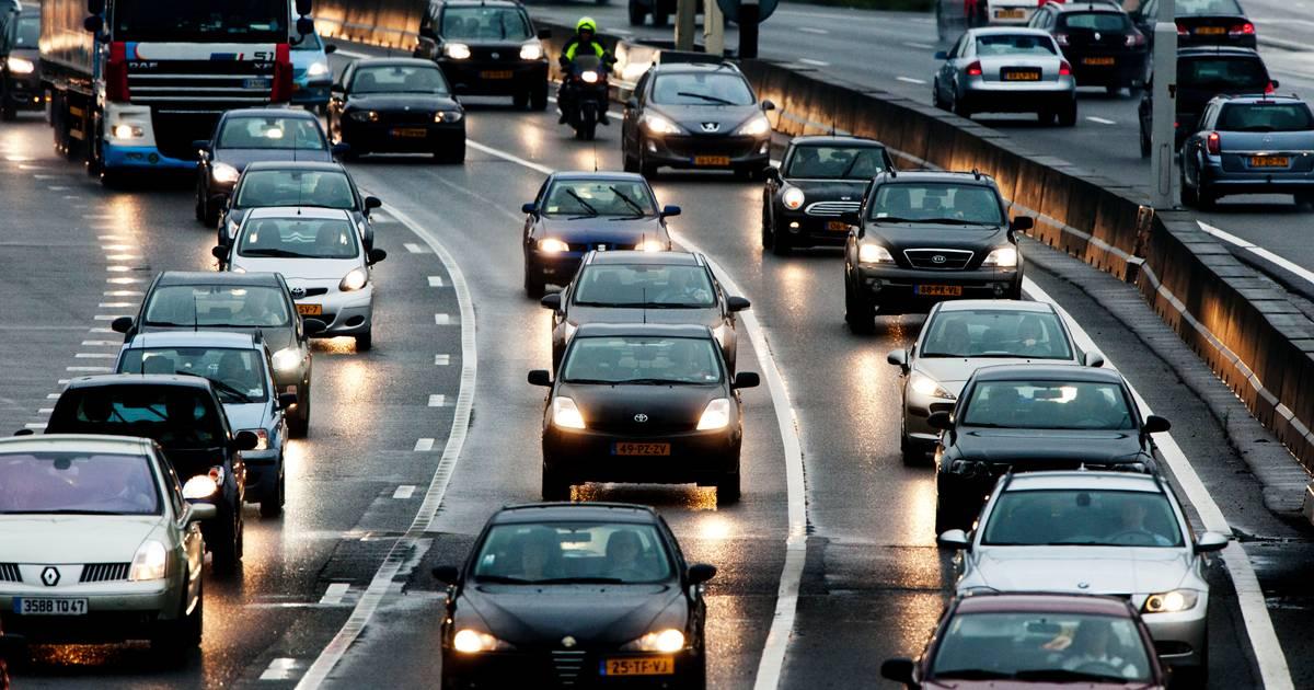 A1 bij Hoenderloo dicht vanwege ongeluk.