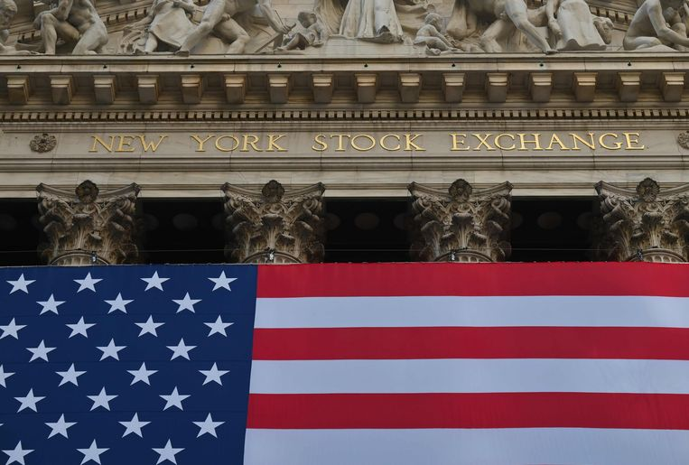 De gevel van New York Stock Exchange (NYSE) at Wall Street in New York City.   Beeld AFP, Angela Weiss