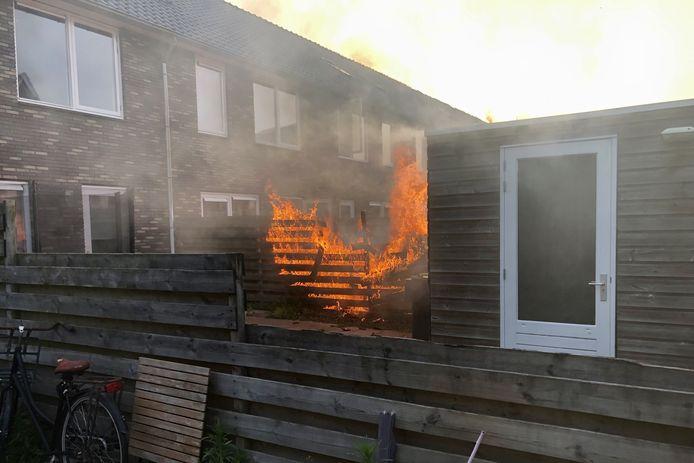Het vuur in 't  Harde greep snel om zich heen.