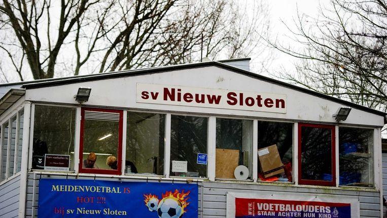 De kantine van SV Nieuw Sloten. Een aantal spelers van de B1 was verantwoordelijk voor de dood van grensrechter Richard Nieuwenhuizen Beeld epa