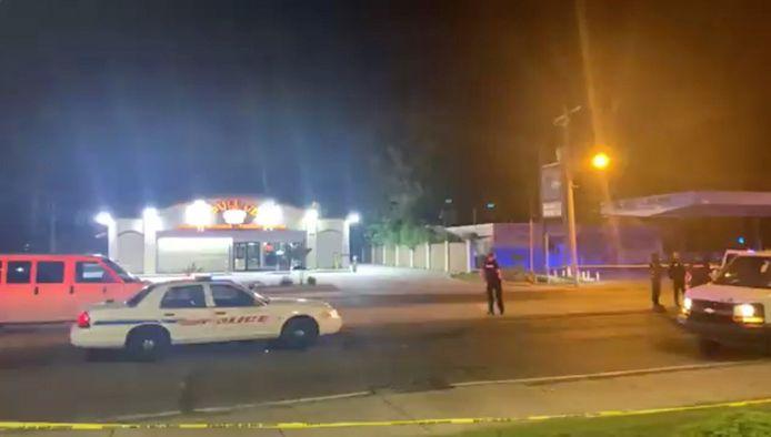 De schutter sloeg toe in de buurt van een drankenzaak.