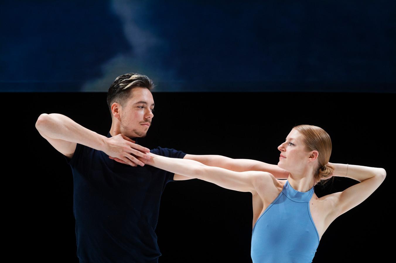Dansers Nienke Wind en Jurriën Schobben tijdens een repetitie in Stadstheater. Arnhem.