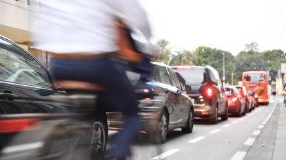 """Brusselse regering verbiedt dieselauto's vanaf 2030 en wil op termijn """"alle voertuigen op fossiele brandstoffen"""" weren"""