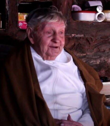 Monnik (98) die halve eeuw eenzaam in een Franse grot leefde, overleden