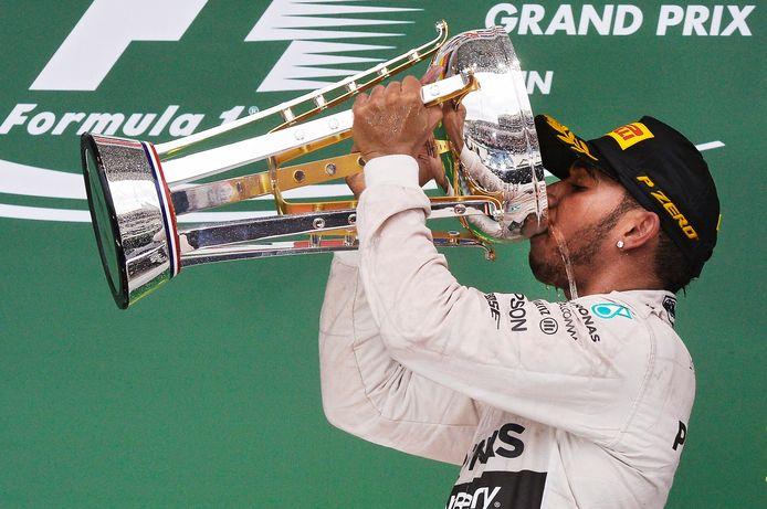 2015: Lewis Hamilton pakt in de Verenigde Staten zijn derde wereldtitel, na een duel met teamgenoot Nico Rosberg.