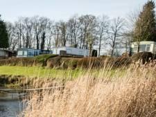 Gemeente Heerde moet op straffe van dwangsom optreden tegen Camping Kromholt in Wapenveld