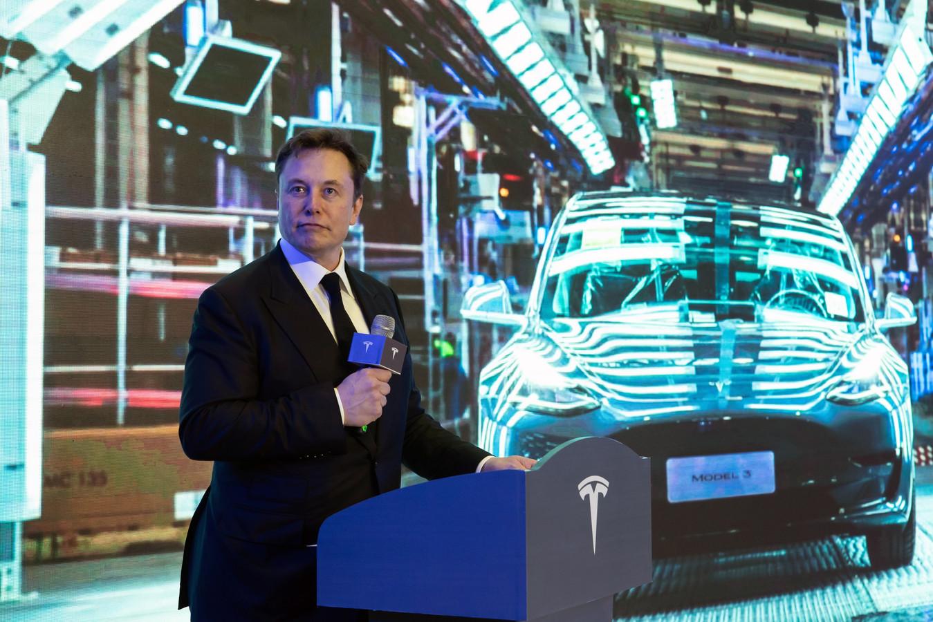 Elon Musk ziet één van zijn vier topbestuurders bij Tesla vertrekken.