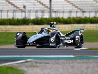 Vandoorne moet opgeven in ePrix van Valencia na aanrijding, zege is voor Jake Dennis