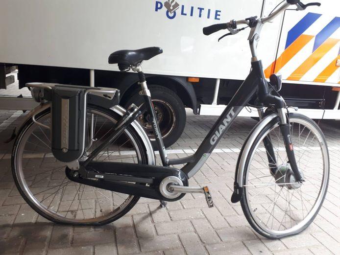 Politie in Helmond vatte een fietsendief in de kraag. In het busje van de Helmondse verdachte stonden tien e-bikes. Van een  fiets zoeken ze nog naar de eigenaar. (De fiets op de foto is ter illustratie.)