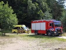Ambulance rijdt zich vast op de Posbank